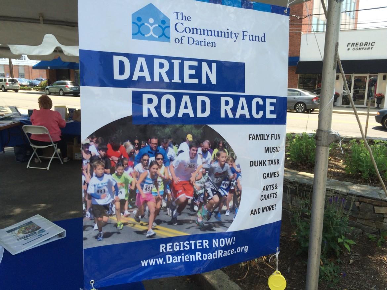 Darien Road Race Sidewalk 2015