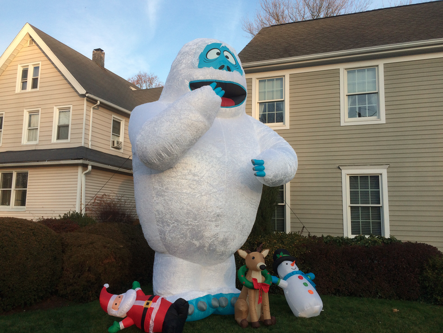 Is this the biggest christmas decoration in darien for Abominable snowman christmas light decoration