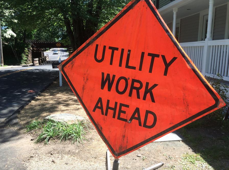 Utility Work Ahead sign 6-15-16