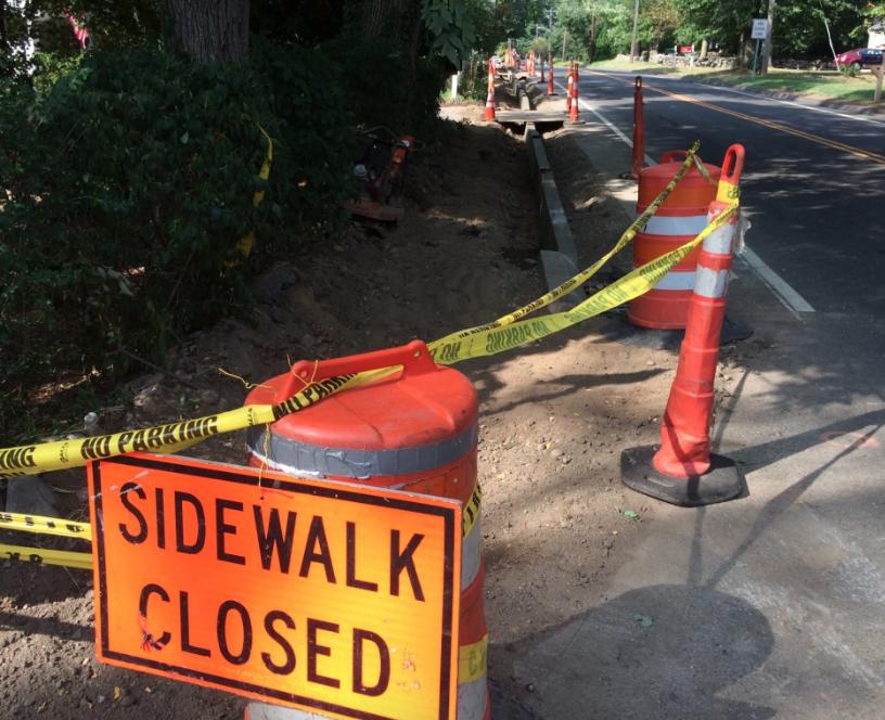 Sidewalk Closed sign 910-31-16