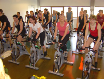 Spin Class photo by Nagagym on Wikimedia Commons https://commons.wikimedia.org/wiki/File:Spinninin.jpg