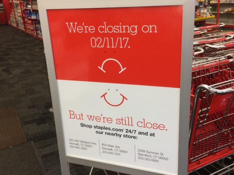 Staples Closing Norwalk Store 02-09-17