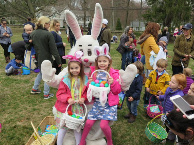 Easter Bunny Darien Community Association Easter Egg Hunt 03-31-17