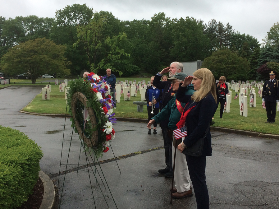 Wreaths Memorial Day 2017 05-29-17