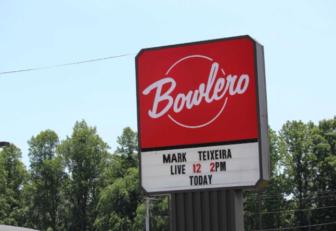 Mark Teixeira Bowlero Milford 06-11-17