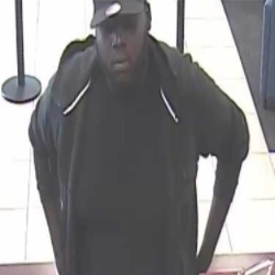 Closer square bank robber Chase 07-12-17