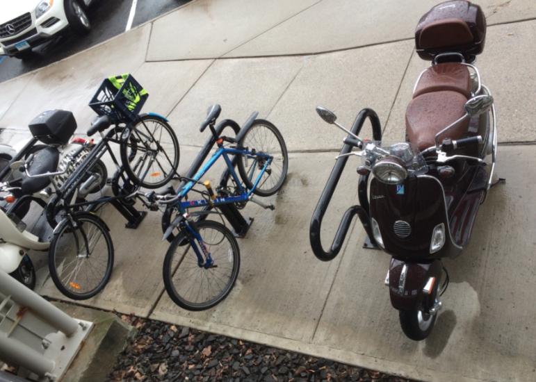 Bicycle Bike Darien Railroad Station Darien Train Station 09-18-17
