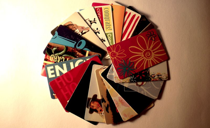 Gift Cards Jan Mayen Wikimedia Commons https://commons.wikimedia.org/wiki/File:D%C3%A1rkov%C3%A9_karty.jpg