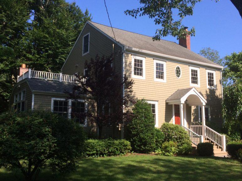 52 Dubois St real estate