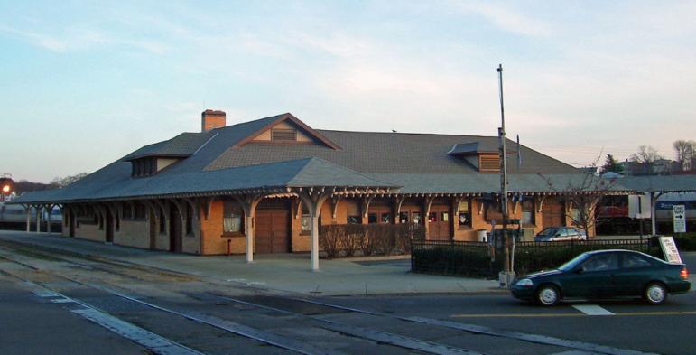 Danbury Railway Museum by Daniel Case https://commons.wikimedia.org/wiki/File:Danbury_Railroad_Museum.jpg