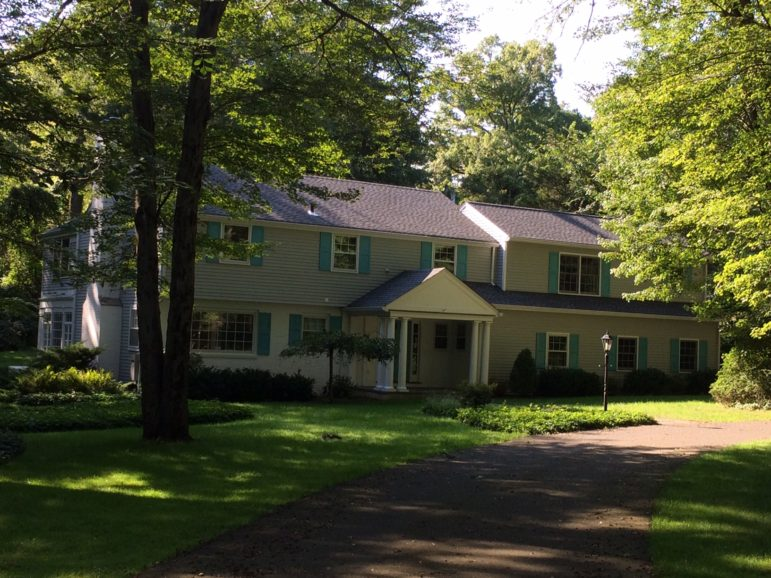 31 Highfield Ln real estate sale