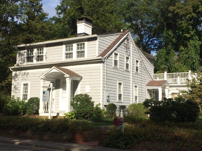 Rose Cottage 140 Leroy Avenue