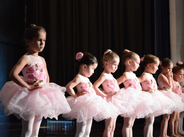 Darien Arts Center DAC dance students ballerinas