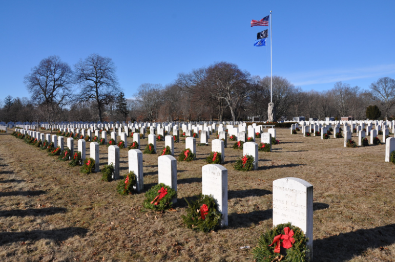 Wreaths Across America wreath laying fundraising