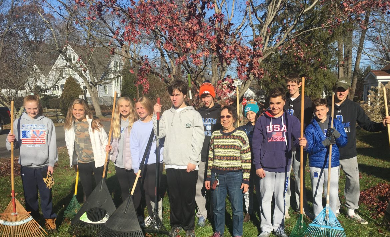 Volunteers St. Luke's Parish At Home In Darien