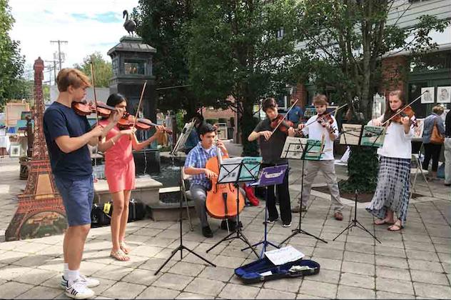 Musicians Artists at Grove Street Plaza