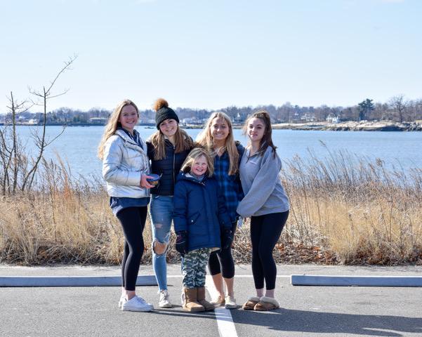 DHS Students Team Green Darien at Weed Beach