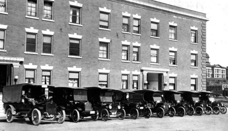 UPS 1916 line of delivery vehicles