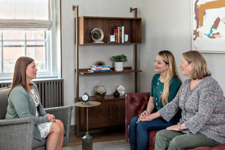 Family Counseling Session Women Mountainside Treatment Center